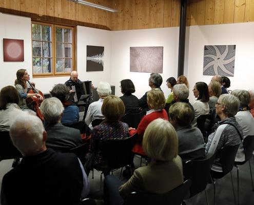 Felix Thyes - Ad Infinitum. Konzert zur Finissage, Duo Safran (Eleonore Willi, Cello, und Jürg Luchsinger, Akkordeon). Foto © Jörg Weule, 2019.